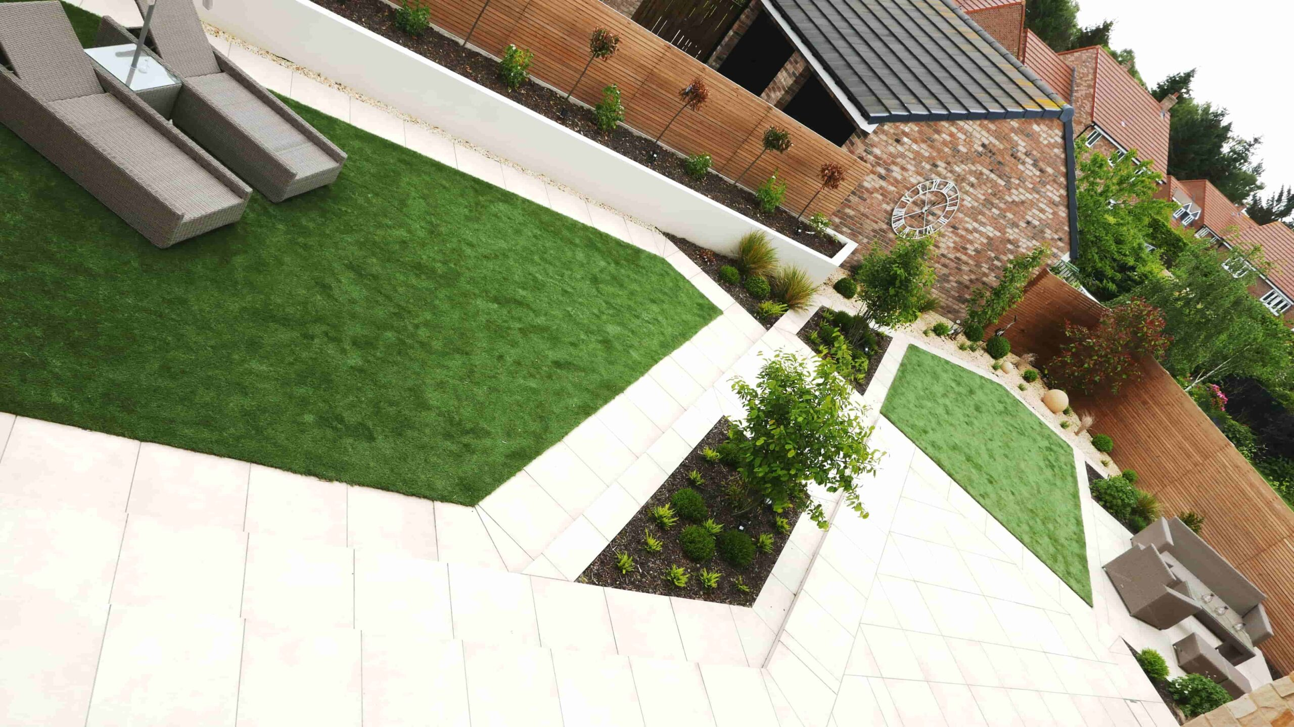 clever-use-of-geometry-for-seating-and-porcelain-paving-corbridge-contemporary-garden